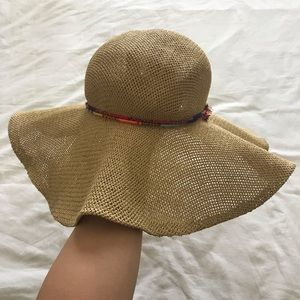 Beach floppy straw hat with colorful knit band
